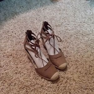 DV by Dolce Vita Shoes - DV size 7.5 wedge espadrilles